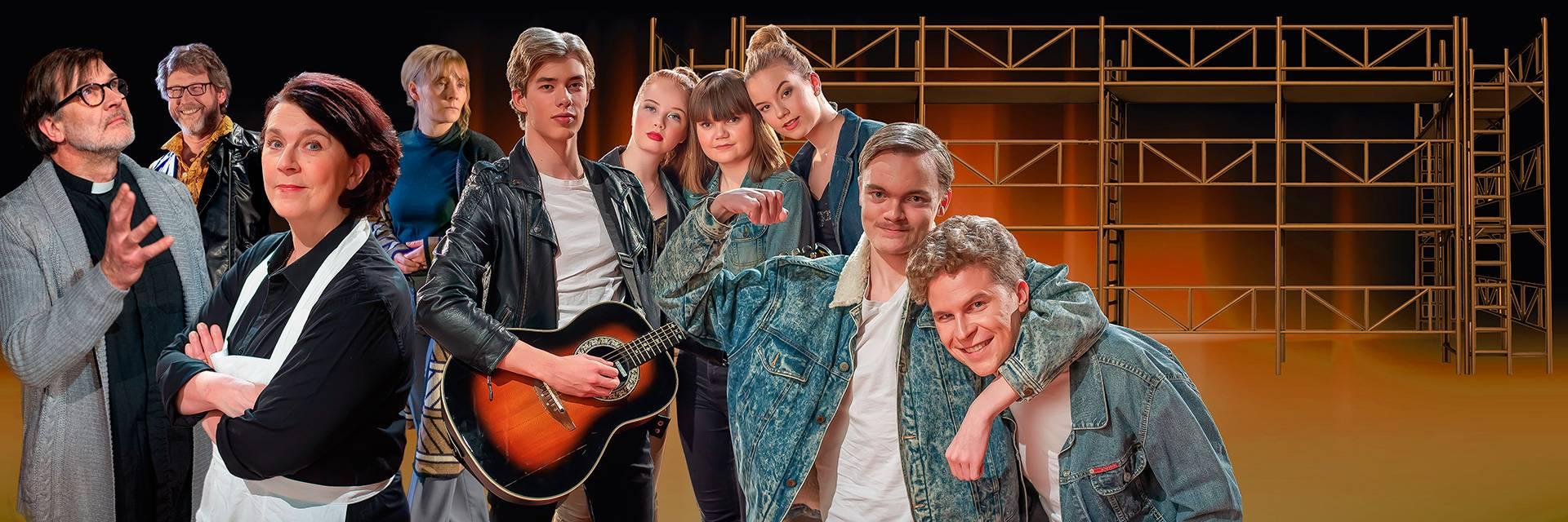 Valkeakosken kaupunginteatterin näyttelijöitä esityksestä Lemmen Jättiläinen.